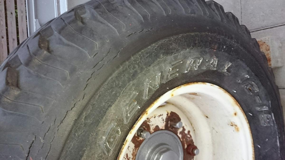 laga torrsprickor däck